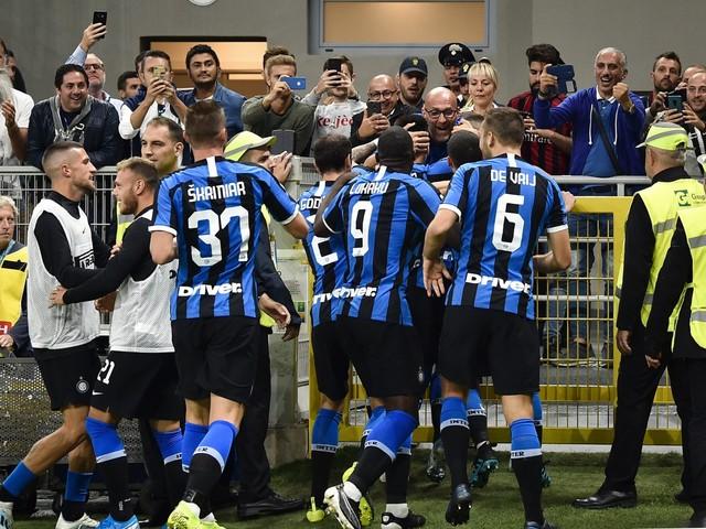 L'Inter fa la voce grossa contro il Milan: vince il derby 2-0 e si riprende il primato