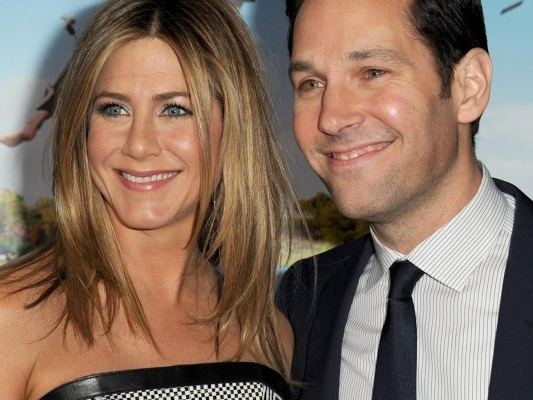 Friends: Paul Rudd ha investito Jennifer Aniston sul set con un Segway!