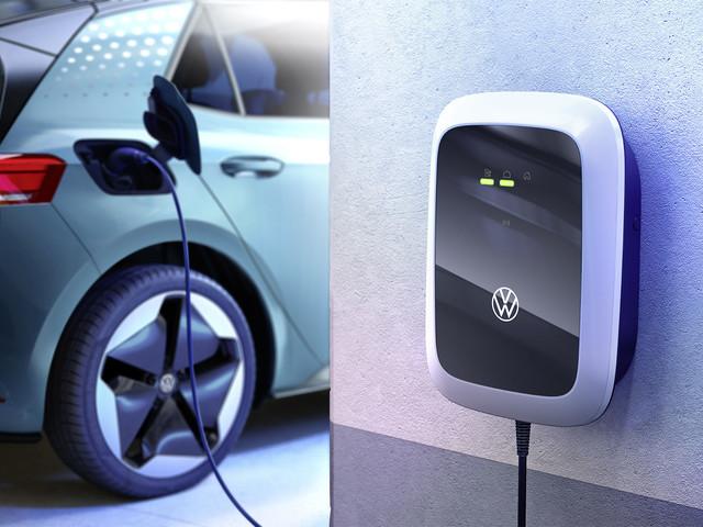 Volkswagen lancia il suo wallbox da 399 euro per caricare la propria auto elettrica a casa