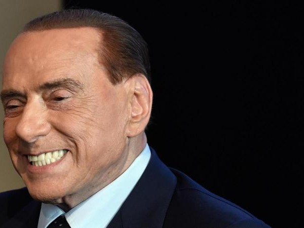 Berlusconi: 'Per Gazidis il Milan rischiava la D? Frasi da dire solo al cesso. Come riportarlo in alto? Ridarlo a me'