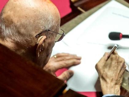 Giorgio Napolitano sta salvando il governo. Retroscena clamoroso dal cuore del Senato