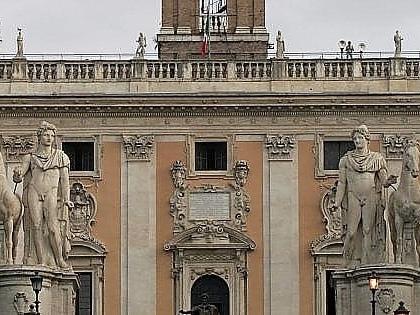 """Roma, Campidoglio, dopo Colomban pressing su Raggi: """"Ora in giunta solo eletti 5S di peso"""""""
