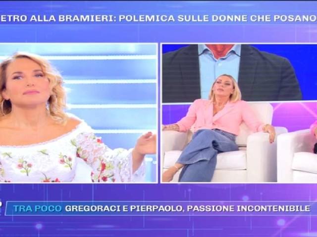 """Lucia Bramieri """"look esagerato"""" a Pomeriggio 5/ D'Urso: """"Il problema è l'insieme"""""""