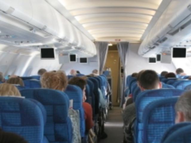 Se viaggiate in aereo ci sono cose che non dovreste indossare