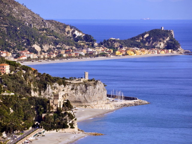 Finale Ligure, mare e servizi turistici al massimo