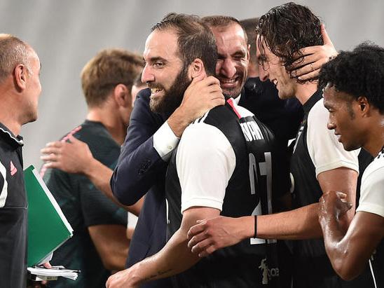 Calcio: Juventus tra Champions e calciomercato