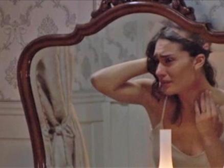 Il Segreto, anticipazioni: Camila nasconde ad Hernando di essere stata picchiata