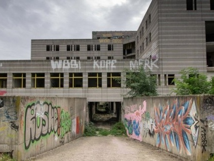 Centro Servizi, 25 anni di sprechi Costò cento miliardi di vecchie lire