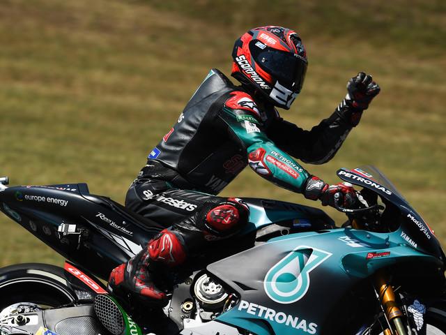 Quell'italiano dietro la Suzuki che va verso il titolo