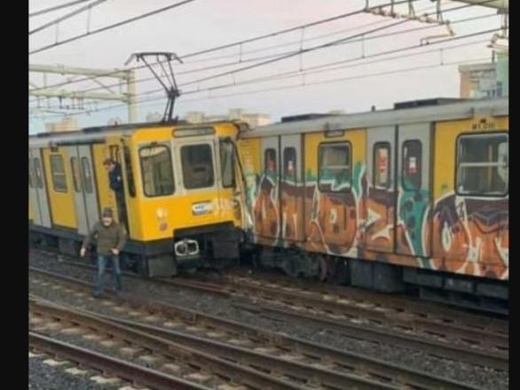 Napoli, scontro tra treni sulla Metro Linea 1