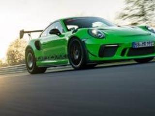 Porsche 911 GT3 RS gira sotto i 7 minuti al 'Ring. Il video
