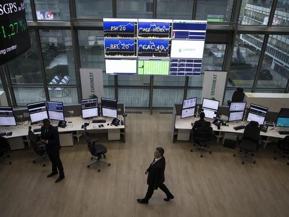 Borsa: Europa contrastata, bene futures Usa, Milano +0,2%