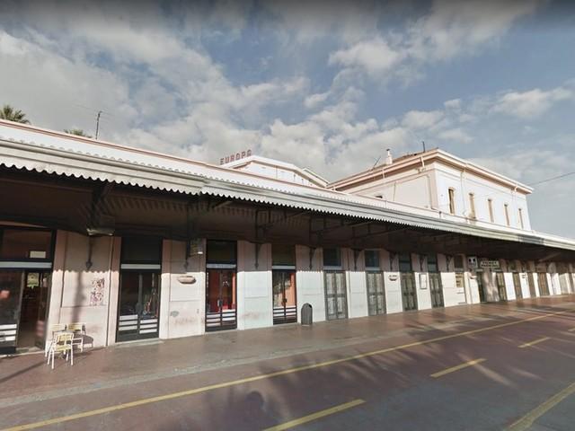 Sanremo: situazione di degrado attorno alla vecchia stazione, la segnalazione di un cittadino