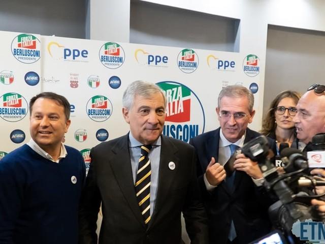 """Etna19, il meeting di Forza Italia, Falcone: """"Noi con Renzi? Una follia"""""""