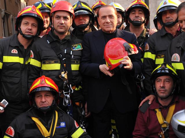 """Berlusconi in pressing: """"Ogni voto a Forza Italia fa sgretolare il governo"""""""