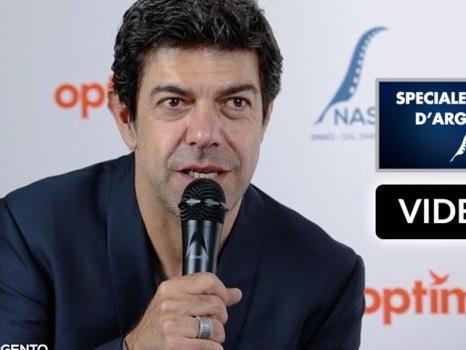 """OM intervista Pierfrancesco Favino, candidato come miglior attore ai Nastri d'Argento per """"Il traditore"""""""