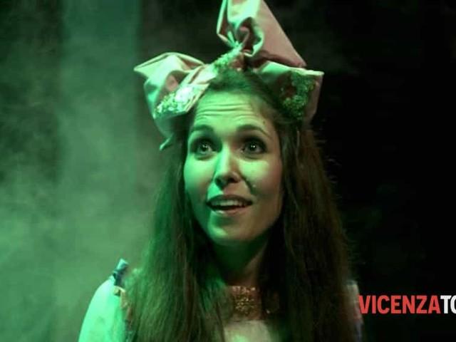 """Alice nel paese delle meraviglie: """"porta il papà a teatro"""" a Brendola"""