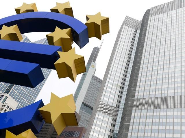 """La Bce lancia l'allarme: """"Frena la crescita in Ue"""""""