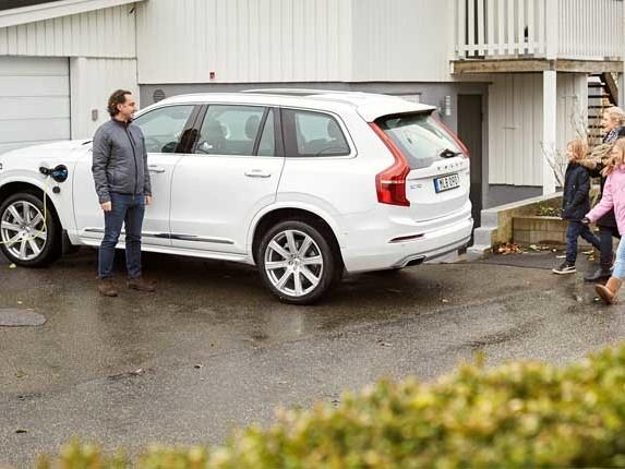 Volvo Cars, prove di guida autonoma