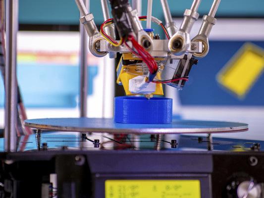 Dieci previsioni tecnologiche per il 2019 (tra cui il ritorno delle stampanti 3D)