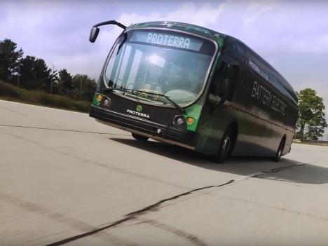 1.700 chilometri con una carica: il bus elettrico Proterra