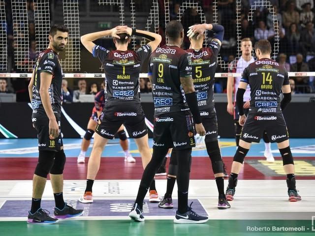 LIVE Volley, Superlega 2019-2020 in DIRETTA: Civitanova passeggia contro Padova, vincono Trento, Milano e Vibo-Monza