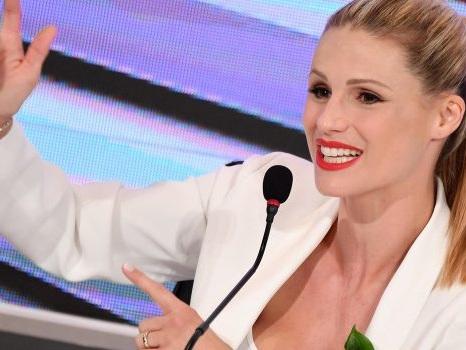"""Michelle Hunziker: """"Condurre Amici Celebrities è più difficile di Sanremo"""""""