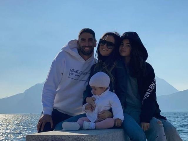 """SOCIAL/ Giorgia Palmas relax e sorrisi sul lago di Como: """"Famiglia e felicità"""""""