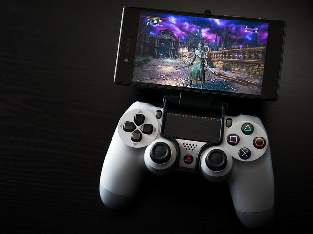 PS4 Remote Play: download app per iPhone e smartphone Android
