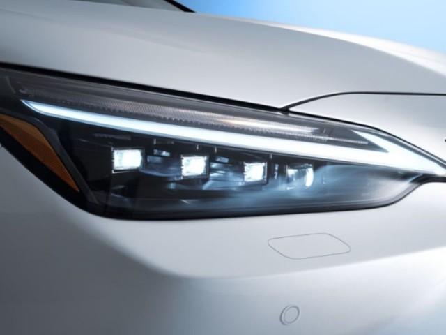 Anteprima: svelato il primo ibrido elettrico plug-in di Lexus