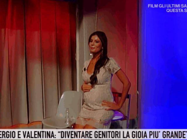 Piccolo malore in diretta a Storie Italiane per la compagna di Sergio Arcuri: troppe emozioni