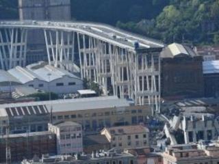 Ponte Morandi, la jella di modellini, torte e parate, c'è amianto in Pila 8, un anno di lavori in più
