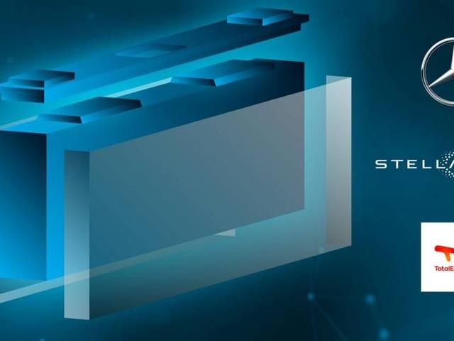 Stellantis - La Mercedes-Benz entra nella joint venture Acc per la produzione di batterie