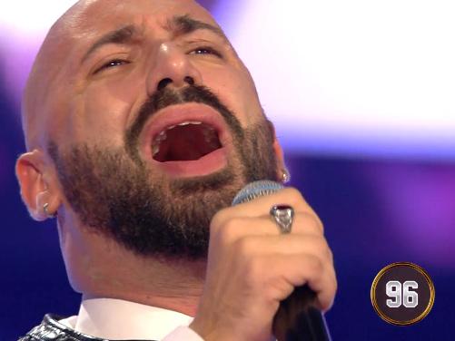 "Federico Martello, cantante in carrozzina da San Cipirello a ""All together Now"""