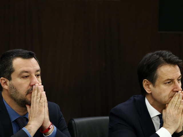 """Open Arms, sbarcano i minori Salvini: """"Ok, ha deciso Conte"""""""