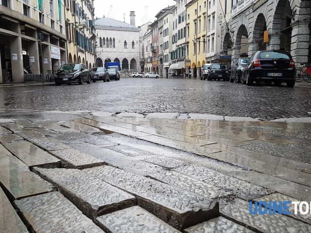 Nuovi problemi per Mercatovecchio: da dove arriva la pietra piasentina?