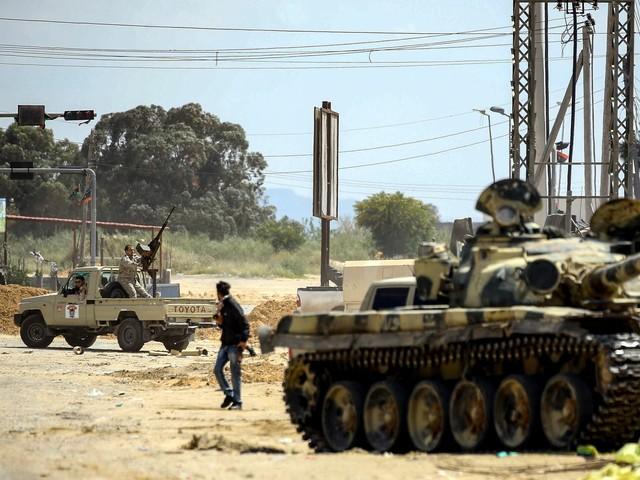 """I miliziani di Haftar """"vedono"""" Tripoli. Il bilancio: 121 morti e 600 feriti"""
