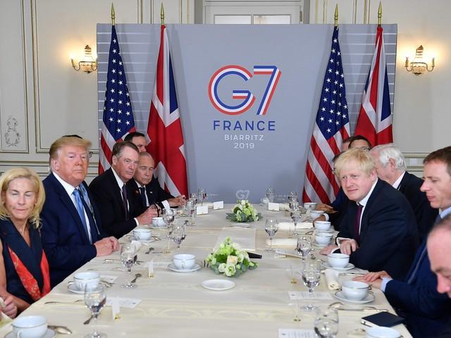 """L'idillio Donald-Boris Johnson: """"Con il No Deal niente soldi alla Ue"""""""