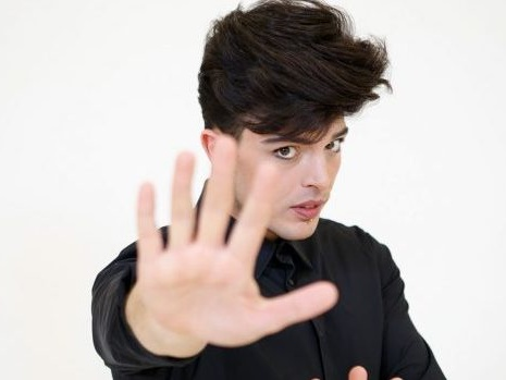 Stash risponde ad una fan dei The Kolors e svela cosa non riesce a perdonare (video)