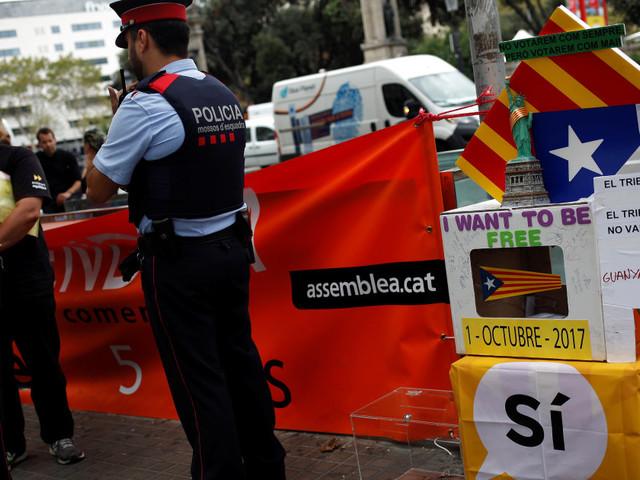 """""""Recintare i seggi del referendum catalano"""": l'ultima decisione della procura per impedire il voto indipendentista"""