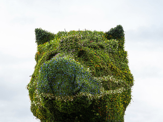 Guggenheim di Bilbao: Puppy di Jeff Koons indossa la mascherina. Un messaggio per la collettività