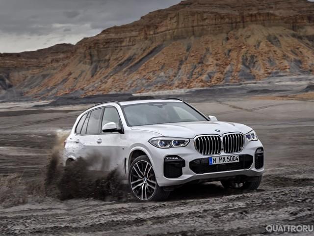 BMW X5 - La Suv diventa più grande e muscolosa