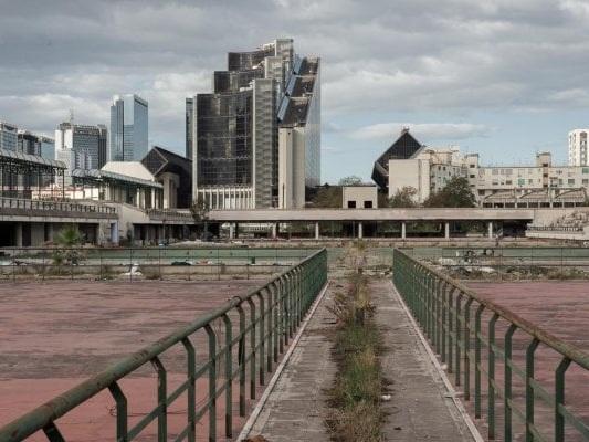 Una colata di cemento sta distruggendo l'ambiente: il consumo del suolo porta anche al riscaldamento globale