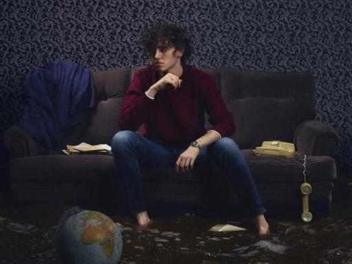 """Michele Bravi ha annunciato l'uscita del nuovo album """"La geografia del buio"""""""