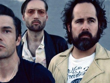 Video, testo e traduzione di Land Of The Free dei The Killers, una ballad dall'emotività gospel