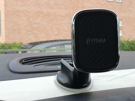 Recensione Pitaka MagMount Qi : Supporto per auto e carica batteria wireless!