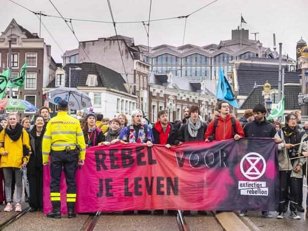 Amsterdam, 130 arresti a protesta clima