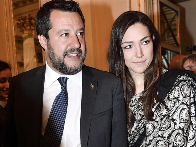 Francesca Verdini soccorsa dalla polizia dal parrucchiere dei Vip