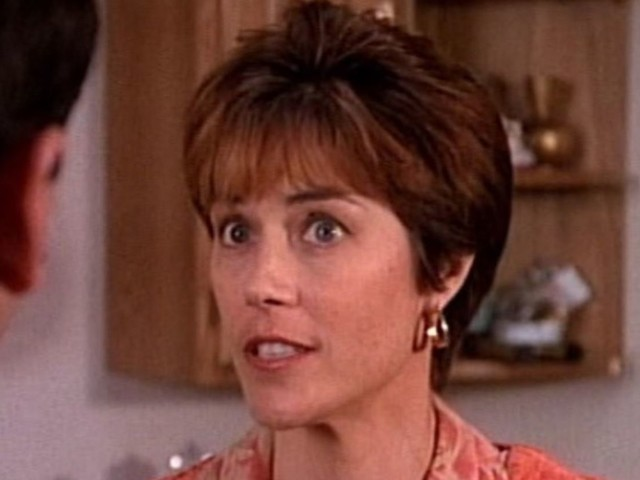 Era la mamma dei gemelli Walsh in Beverly Hills 90210: oggi l'attrice ha 73 anni, il drastico cambiamento dopo l'addio alla serie