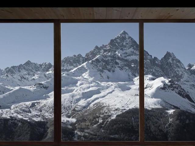 Borgata Ambornetti, rinascita sulle Alpi